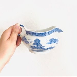 chinoiserie willow-ware gravy boat milk pitcher